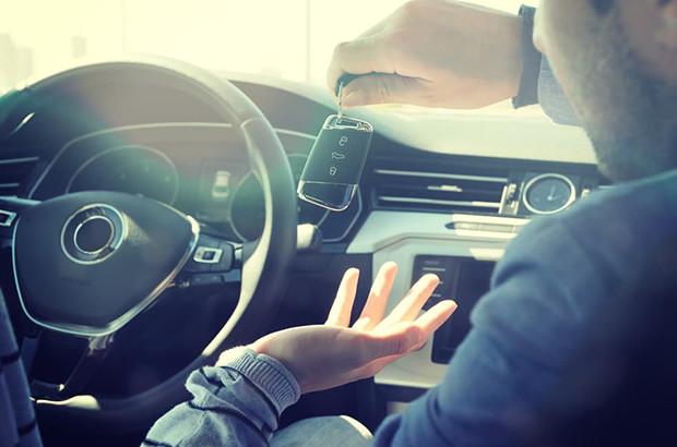 法人で車を持つならカーリースと購入のどちらがお得?メリットとデメリットも解説!