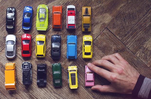 初めて車を買う際のポイントとは?KINTOを利用した新社会人向けのおすすめ車種も紹介!