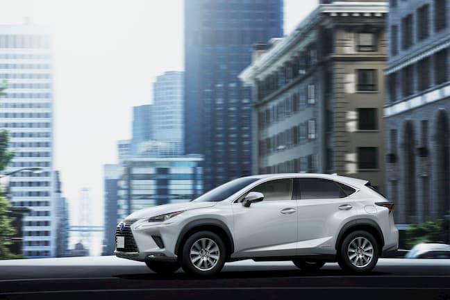レクサス(LEXUS)の現行車種を紹介!ボディタイプの展開やSUV各車種の違いに注目