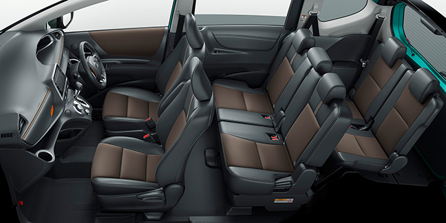 【トヨタ最小ミニバン】シエンタの内装をレビュー!収納とアレンジで広がる自由空間を演出