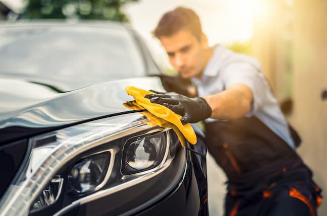 自分でできる車のメンテナンスとプロに任せるべきこととは?