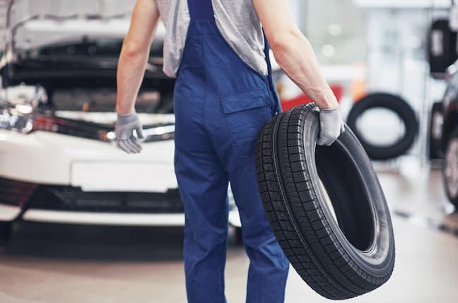 車のメンテナンスを依頼できる業者の種類