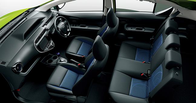 アクアの内装をレビュー!コンパクトカーながら広く快適な室内空間