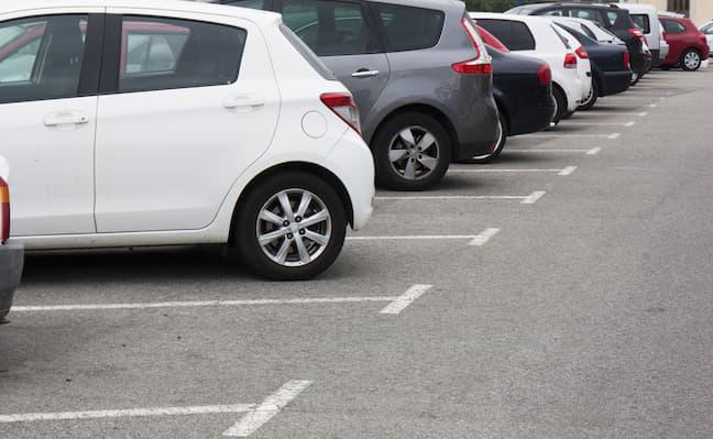 車購入前に確認!駐車場の寸法(幅/サイズ)はどれ程必要?
