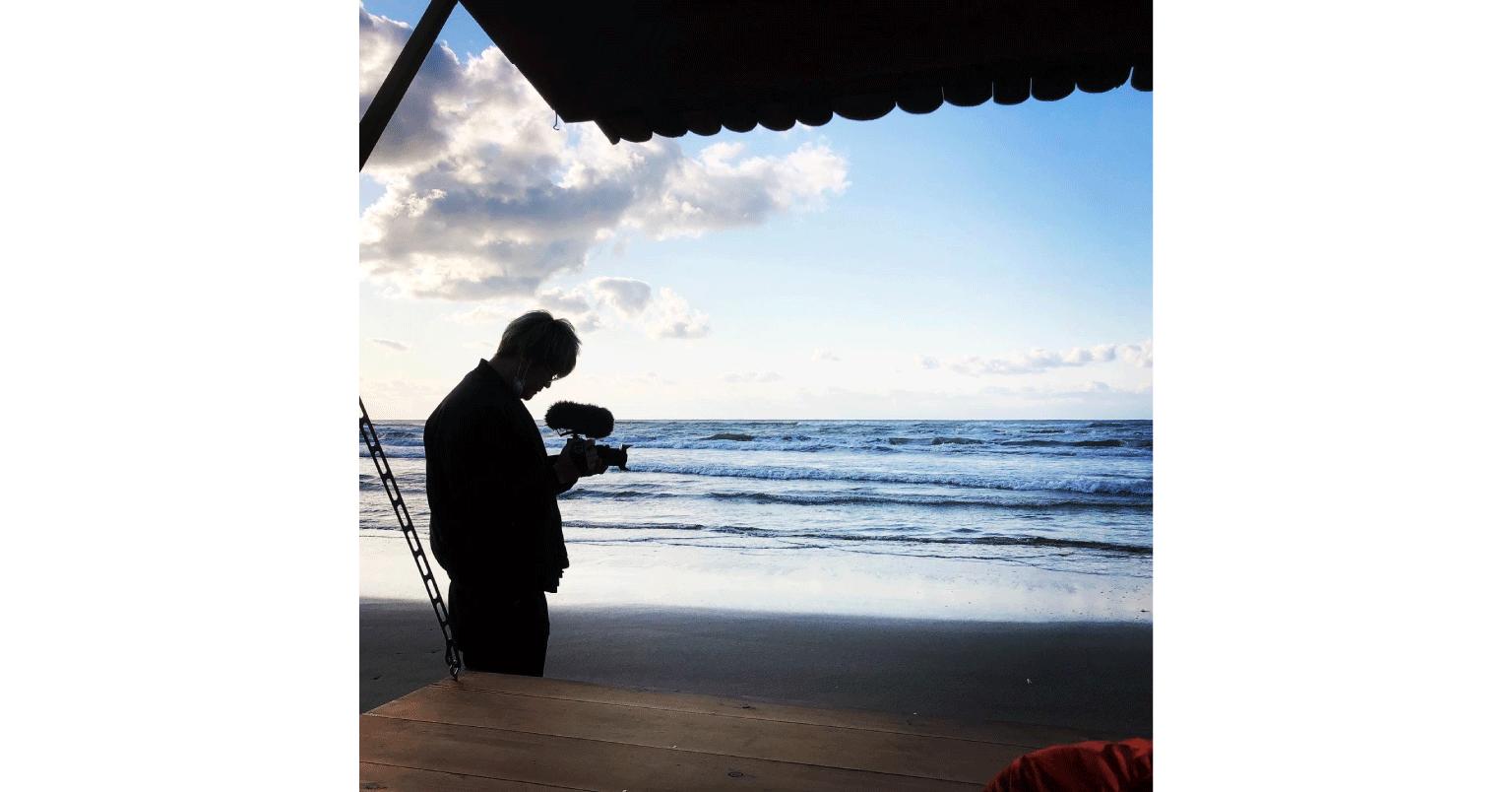 赤井さんがモバイルハウスで千里浜なぎさドライブウェイを旅した写真