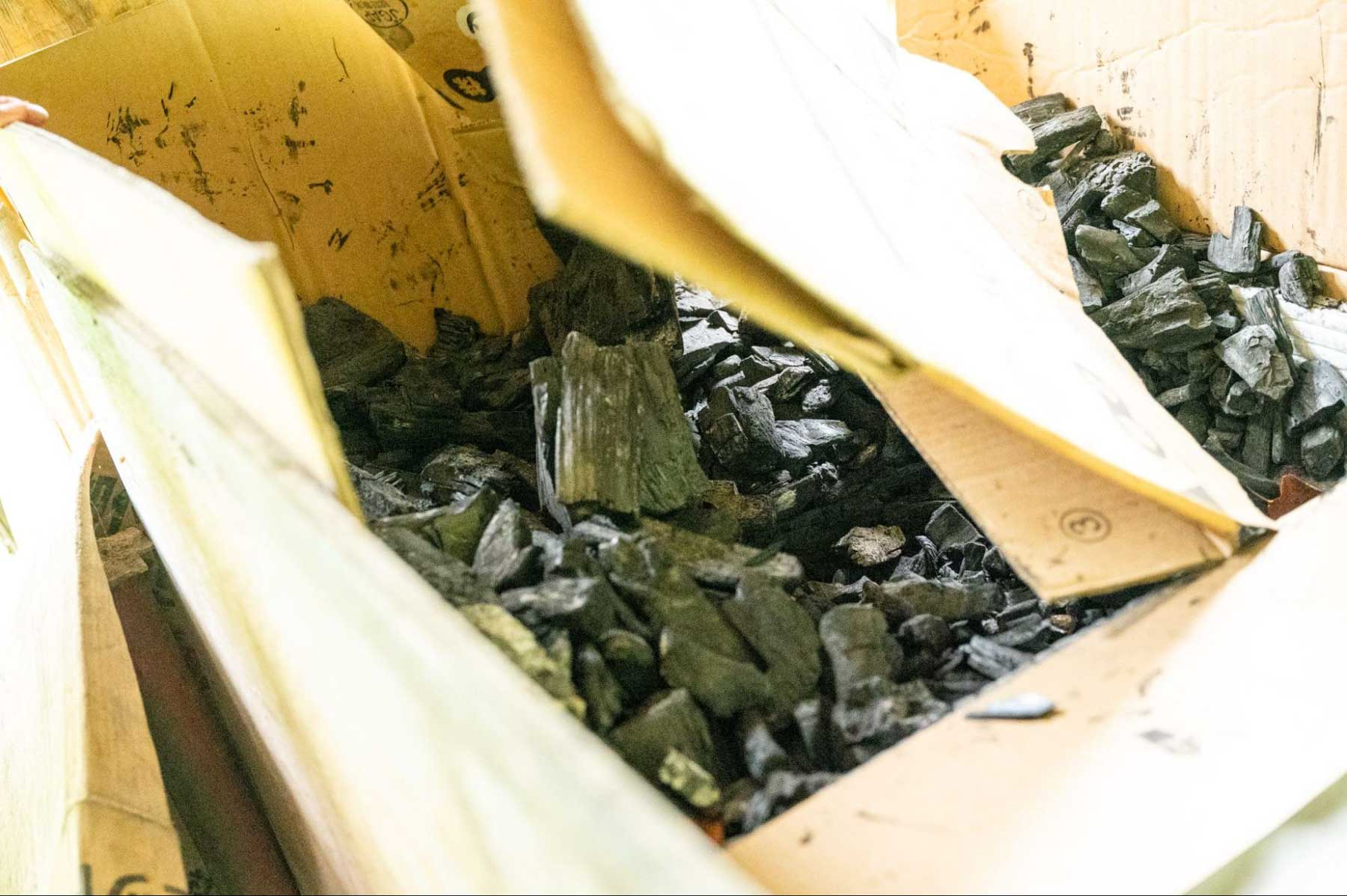 モバイルヴィレッジぼちぼちでつくった炭