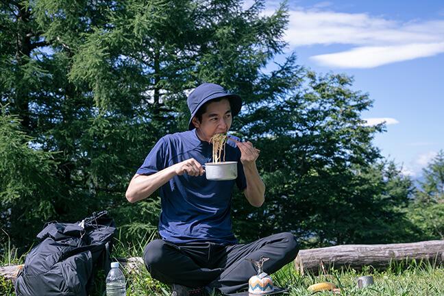孤独の山グルメ「日本一の富士山を無力化させてしまう豆乳担々麺」