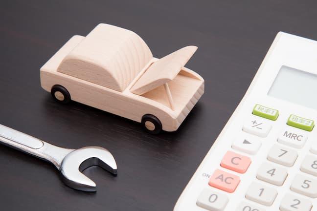 車のオイル交換に必要な費用の相場