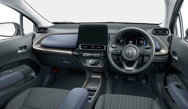新型アクアZのインパネ(2WD 内装色:コジー[ブラック×ダークネイビー])<オプション装着車>