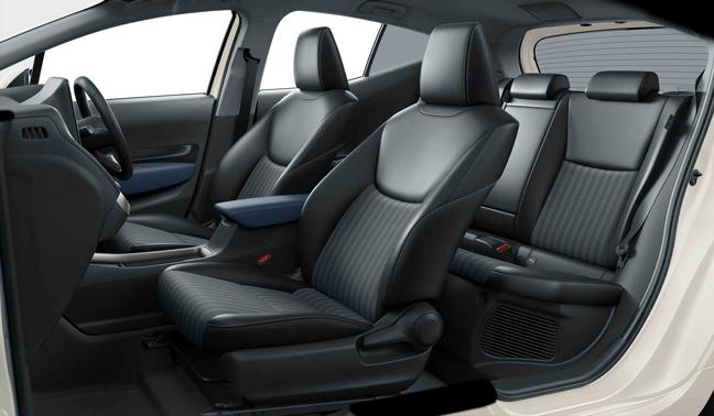 新型アクアZのシート(2WD 内装色:コジー[ブラック×ダークネイビー])<オプション装着車>